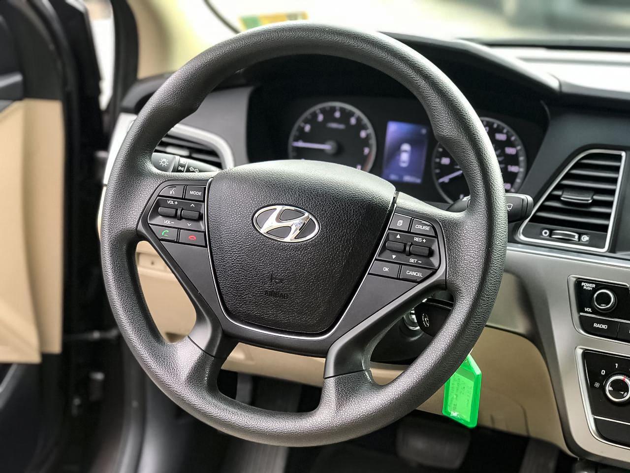 2016 Hyundai SONATA   Vin: 5NPE24AF8HH448804