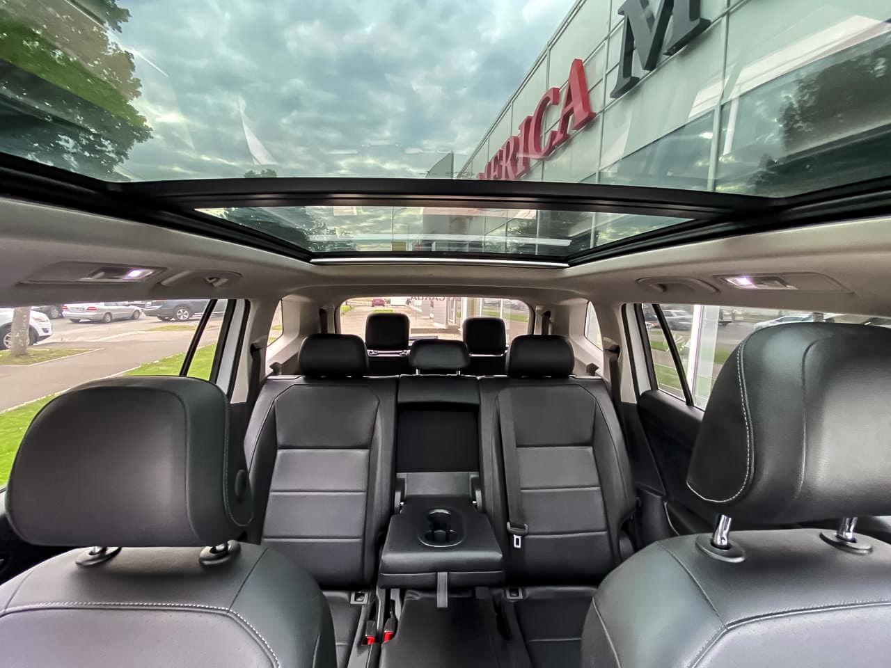 2017 Volkswagen TIGUAN   Vin: 3VV3B7AX9JM002244