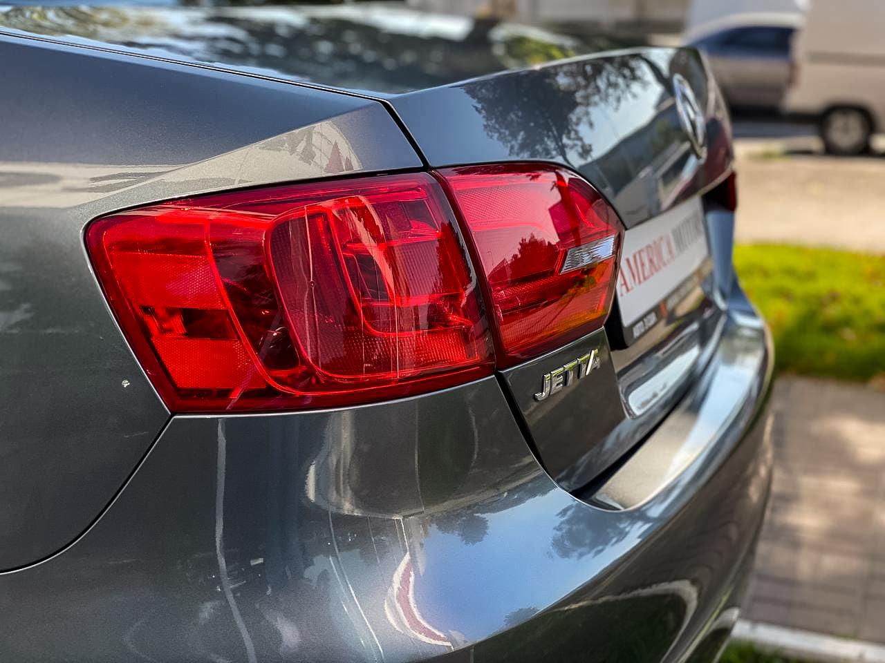 2014 Volkswagen JETTA   Vin: 3VWD17AJ5EM334699