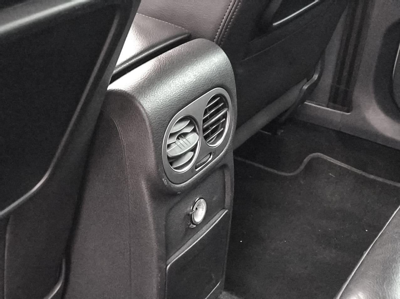 2010 Volkswagen TIGUAN   Vin: WVGZZZ5NZBW044214