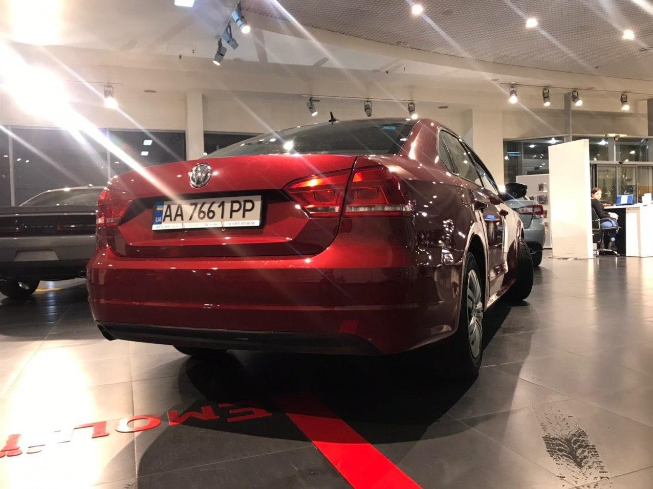 2015 Volkswagen PASSAT   Vin: 1VWAS7A36FC102679