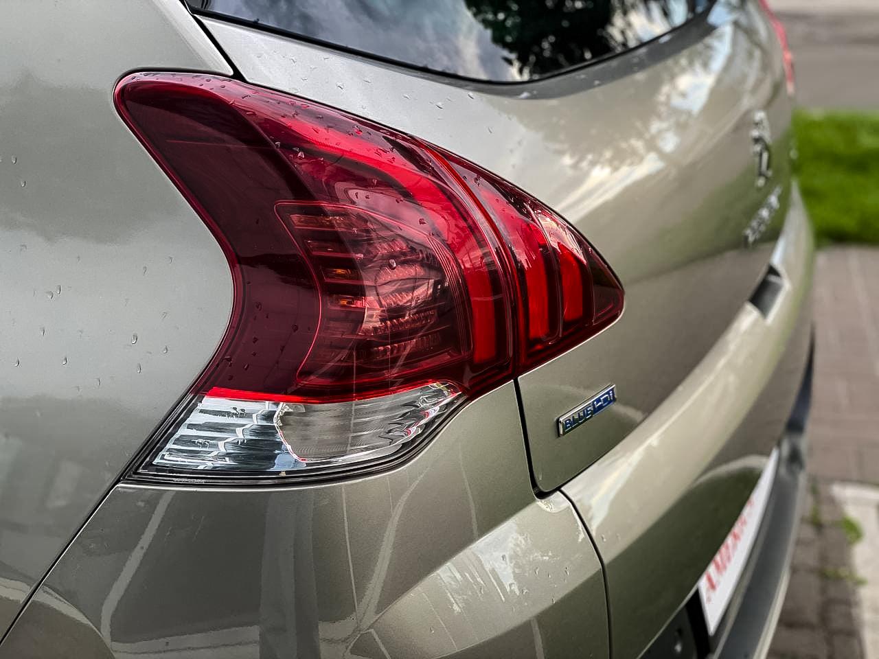 2015 Peugeot 3008   Vin: VF30UBHZTFS098367