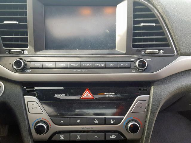 2017 Hyundai    Vin: 5NPD84LFXHH165764