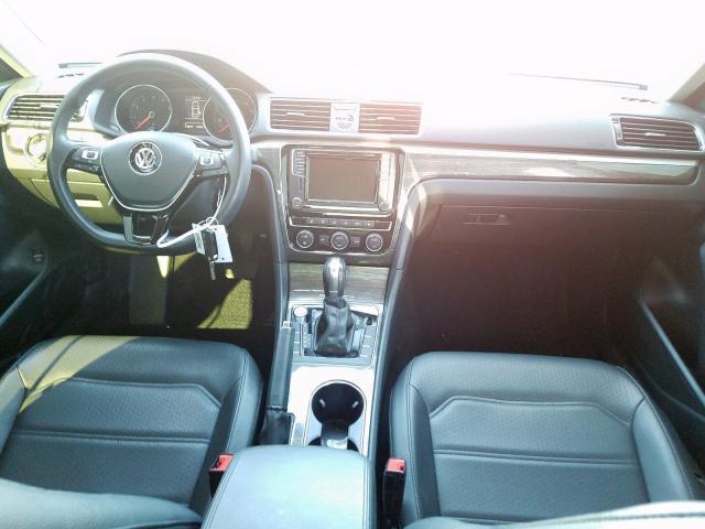 2017 Volkswagen PASSAT SE   Vin: 1VWBT7A31HC024588