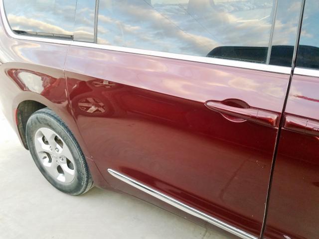 2017 Chrysler    Vin: 2C4RC1CG4HR512309